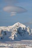 Picchi di Snowy Immagine Stock