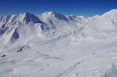 Picchi di Snowy nella stazione sciistica di Serfaus-Fiss-Ladis Fotografie Stock