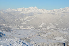 Picchi e valle in alpi nell'inverno Fotografia Stock Libera da Diritti
