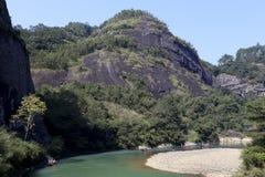 Picchi piani del landform di danxia, montagna di wuyi Immagine Stock