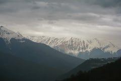 Picchi Snow-capped Immagine Stock Libera da Diritti