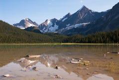 Picchi sopra il lago ametista in diaspro Fotografia Stock