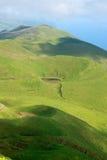 Picchi vulcanici invasi sull'isola di sao Jorg Fotografia Stock Libera da Diritti