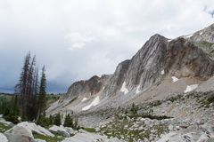 Picco dell'arco della medicina, montagne della gamma di Snowy, Laramie Wyoming fotografia stock libera da diritti