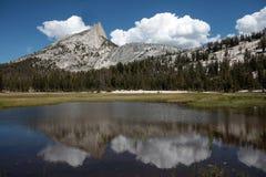 Picco della cattedrale, sosta nazionale del Yosemite Fotografie Stock Libere da Diritti