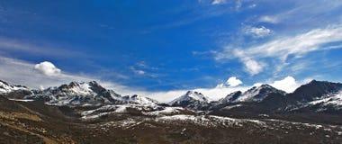 Picco della montagna della neve Fotografie Stock Libere da Diritti