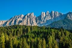 Picco di latemar nel Tirolo del sud, dolomia, Italia Immagine Stock