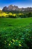 Picco di montagna ad alba, alpi delle dolomia, Italia Immagine Stock Libera da Diritti