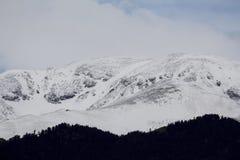 Picco di montagna con neve Fotografie Stock
