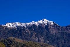 Picco di montagna coperto di neve Fotografia Stock Libera da Diritti