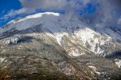 Picco di montagna di Les Croix nell'inverno, Hautes-Alpes, alpi Francia Immagini Stock