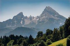 Picco di montagna di Watzmann il giorno di estate nebbioso Fotografia Stock