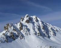 Picco di Snowy nel Alpes francese Fotografie Stock
