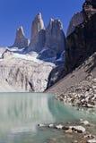 Picco di Torres del Paine un chiaro giorno. Fotografia Stock