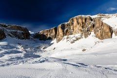 Picco di Vallon sulla località di soggiorno di corsa con gli sci di Corvara in Badia Fotografia Stock