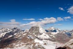 Picco ed alpi del Cervino vicino a Zermatt Fotografie Stock Libere da Diritti