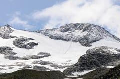 Picco europeo delle alpi con il ghiacciaio Valle di Zillertal in Tirol Aust Immagini Stock