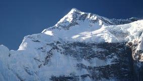Picco nella gamma dell'Himalaya, regione di Annapurna, Nepal di Annapurna stock footage