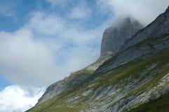 Picco in nuvole Grindelwald vicino in Svizzera Immagine Stock