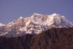 Picco placcato della neve in Himalaya Immagini Stock Libere da Diritti