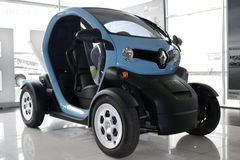 Piccola automobile elettrica Fotografia Stock
