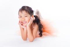 Piccola ballerina nello studio immagini stock libere da diritti