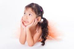 Piccola ballerina nello studio fotografia stock