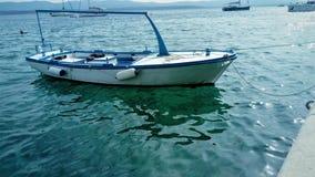 Piccola barca di legno fotografia stock libera da diritti