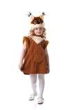 Piccola bionda adorabile che posa in vestito dallo scoiattolo immagine stock