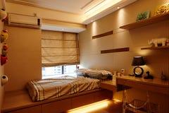 Piccola camera da letto Fotografie Stock Libere da Diritti
