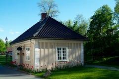 Piccola casa di legno Immagini Stock Libere da Diritti
