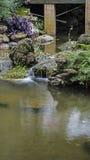 Piccola cascata artificiale Immagini Stock Libere da Diritti