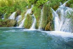 Piccola cascata in Croazia Immagini Stock Libere da Diritti