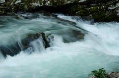 Piccola cascata della gola di Vintgar fotografie stock libere da diritti