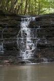 Piccola cascata della montagna Immagine Stock