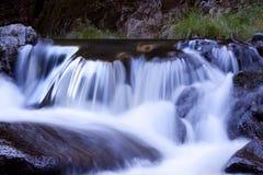 Piccola cascata della montagna Fotografia Stock Libera da Diritti