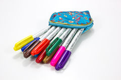 Piccola casella con i colori della penna Fotografie Stock
