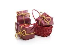 Piccola casella rossa del regalo di Natale Fotografia Stock