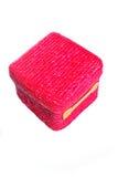 Piccola casella rossa fatta dalle paglie immagini stock libere da diritti