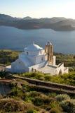 Piccola chiesa bianca al tramonto Fotografia Stock