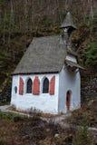Piccola chiesa della montagna in konigsee nell'inverno Fotografia Stock