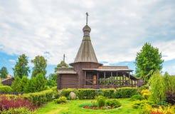 Piccola chiesa di legno Immagini Stock Libere da Diritti