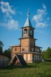 Piccola chiesa di legno a Sergeevo, Palekh, regione di Vladimir, Russia Fotografia Stock Libera da Diritti