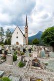 Piccola chiesa nelle alpi delle montagne Fotografie Stock Libere da Diritti