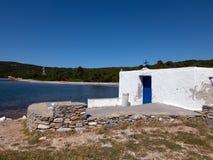 Piccola chiesa ortodossa nell'isola di Skyros in Grecia immagine stock libera da diritti