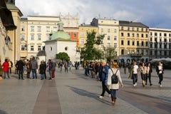 Piccola chiesa sul quadrato del mercato a Cracovia Fotografia Stock Libera da Diritti