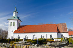 Piccola chiesa svedese nella stagione primaverile Immagini Stock