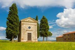 Piccola chiesa in Val d Orcia Fotografia Stock Libera da Diritti