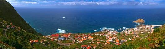 Piccola città dell'oceano fotografia stock libera da diritti