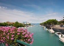 Piccola città italiana fotografia stock